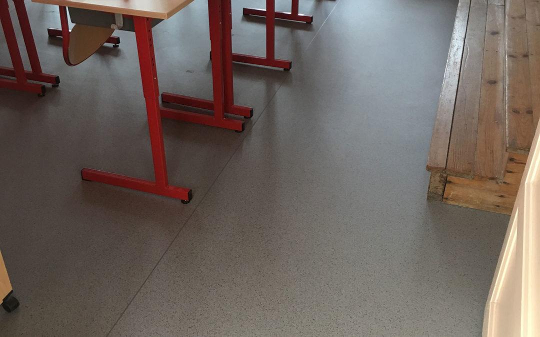 Pose revêtement en PVC à l'école de Bry sur Marne